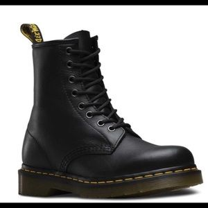 Dr. Martens 1460 Greasy Leather Boots Men sz 7